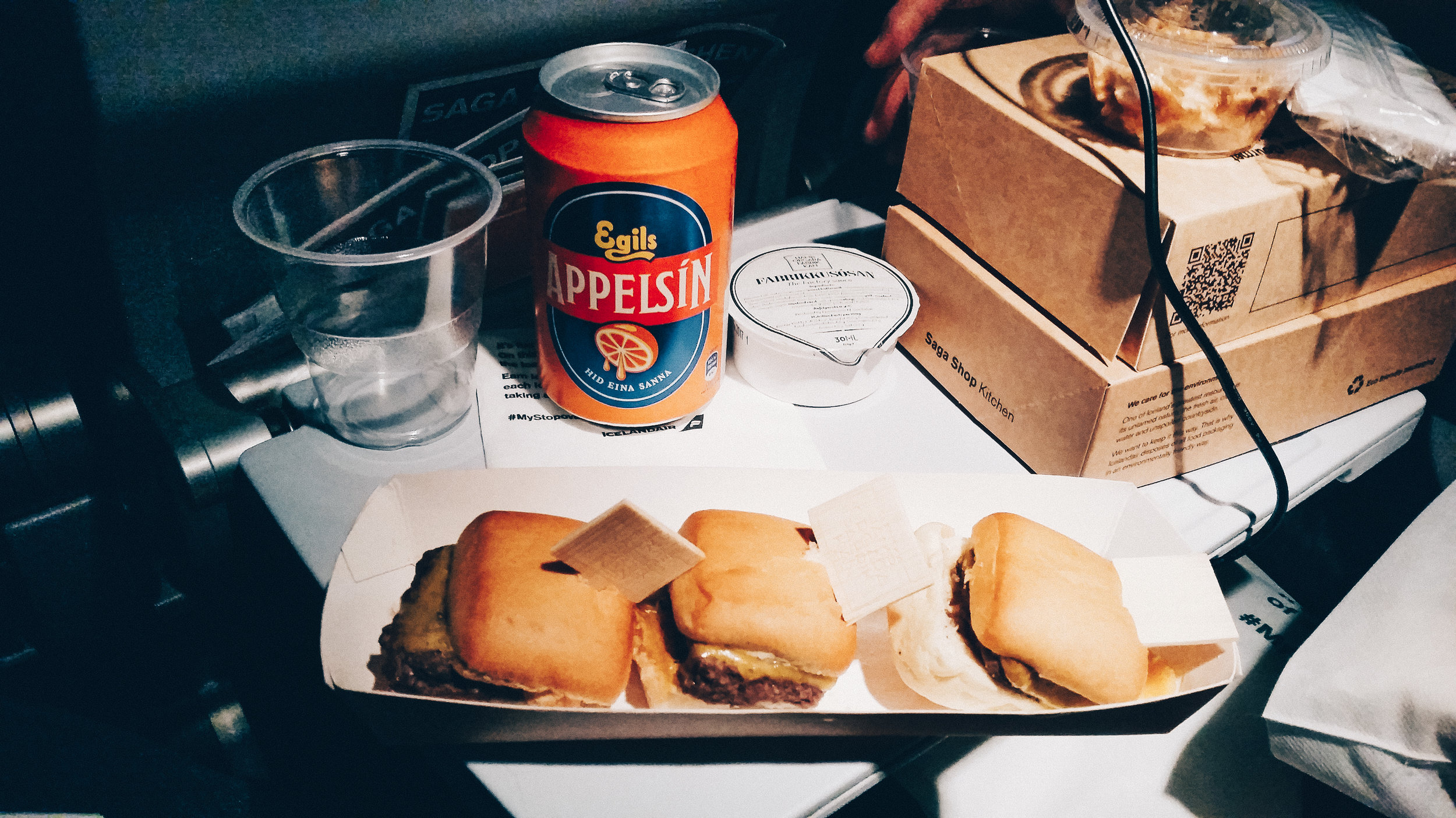 Whilst the sliders left something to be desired (doesn't all aeroplane food?) my first true love is Appelsín.