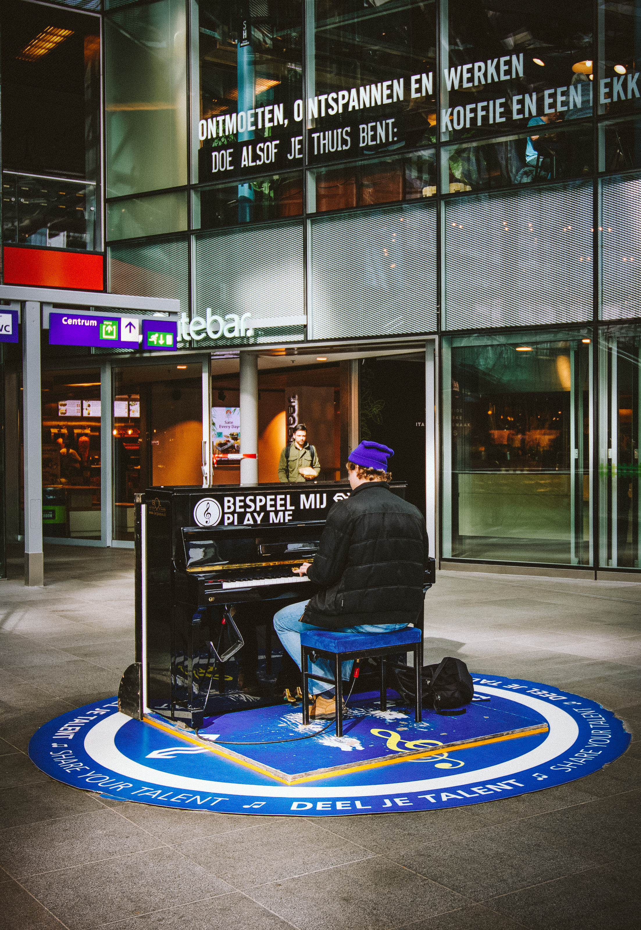 Okay, so I have a thing for public pianos like here in The Hague.