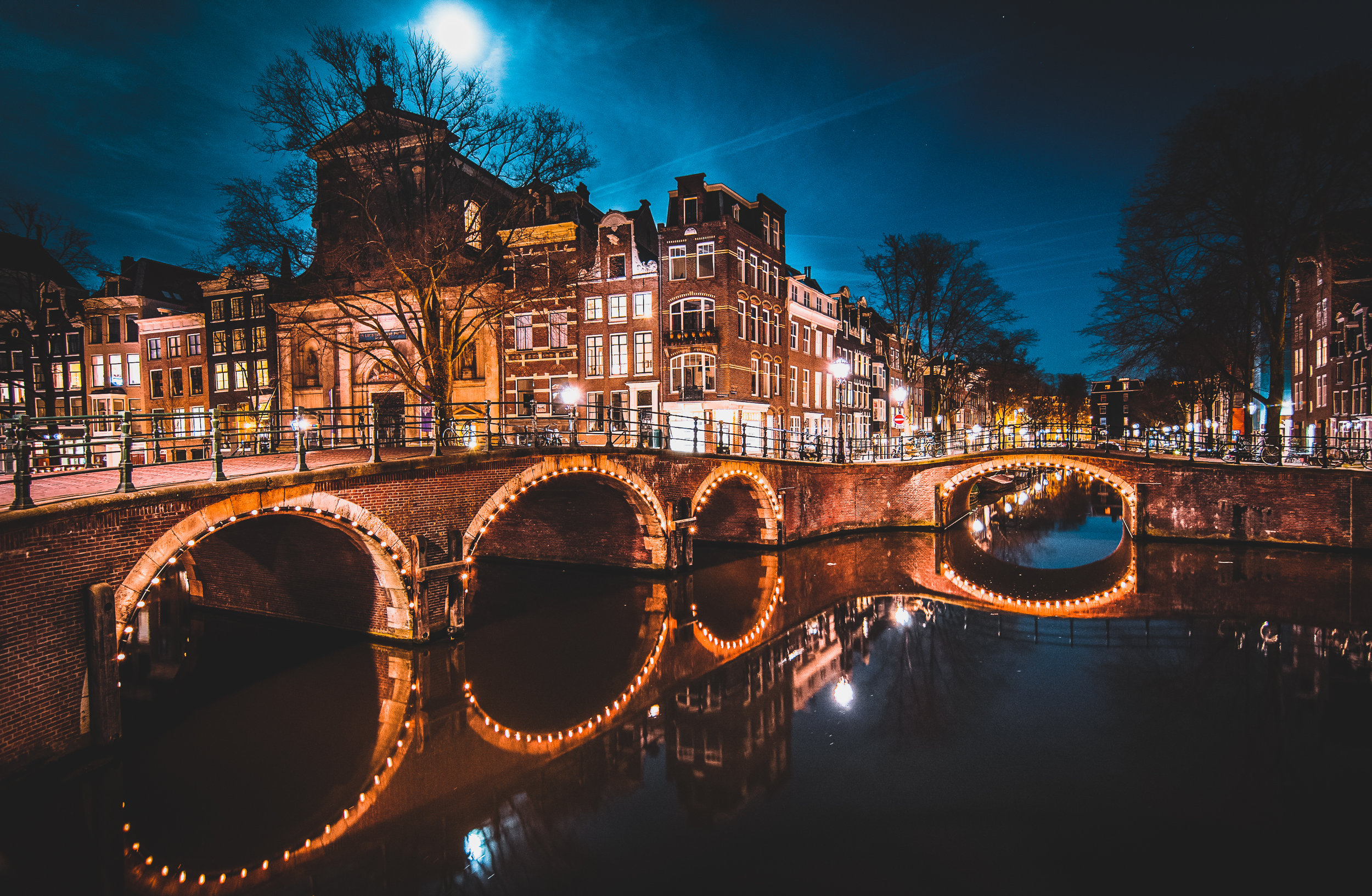 Seven Bridges. I tried for this shot the first time in Amsterdam and this perhaps turned out not as good actually. Oh well, third time's a charm!