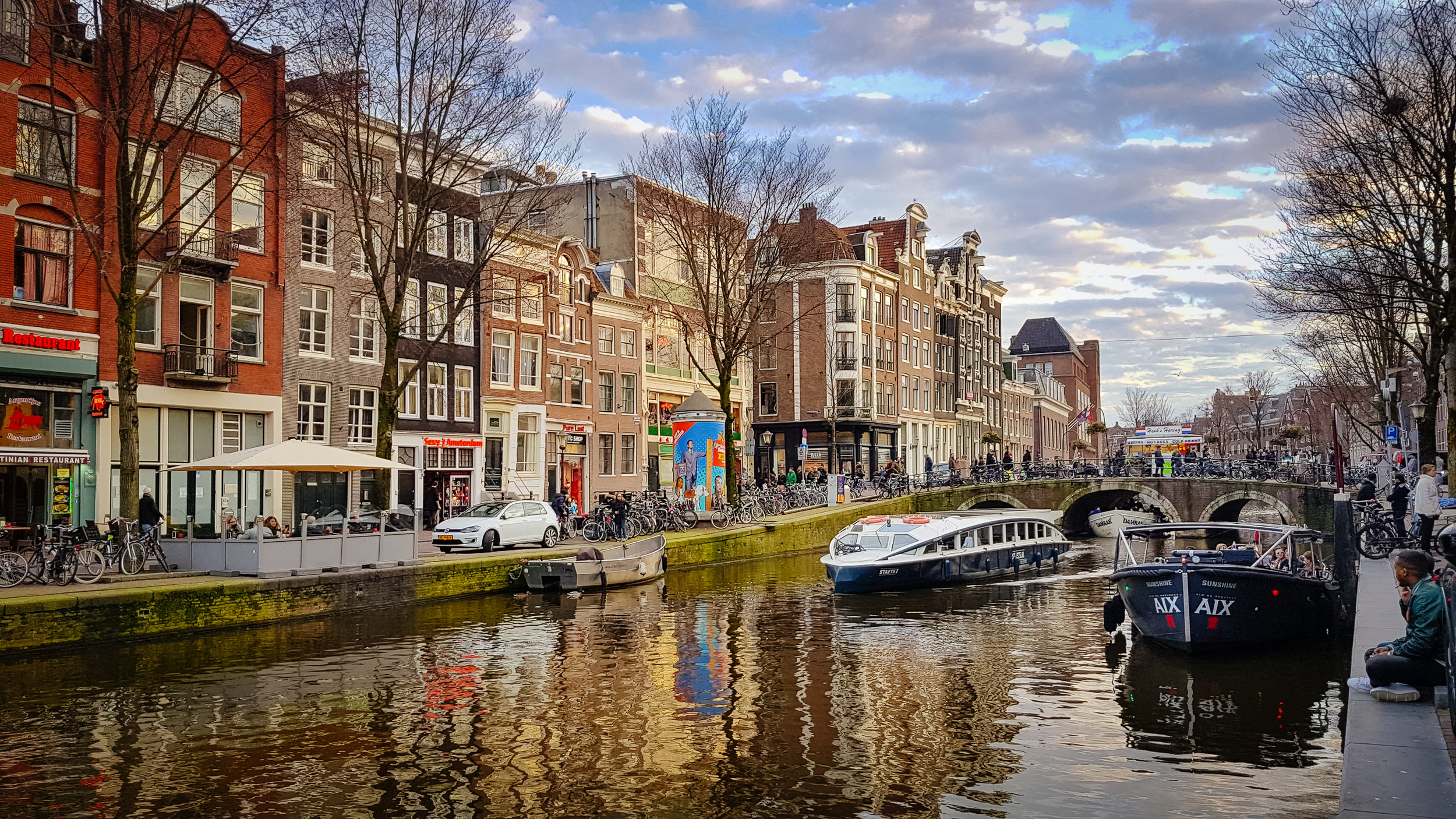 There are many, many canals... and they are all gorgeous.