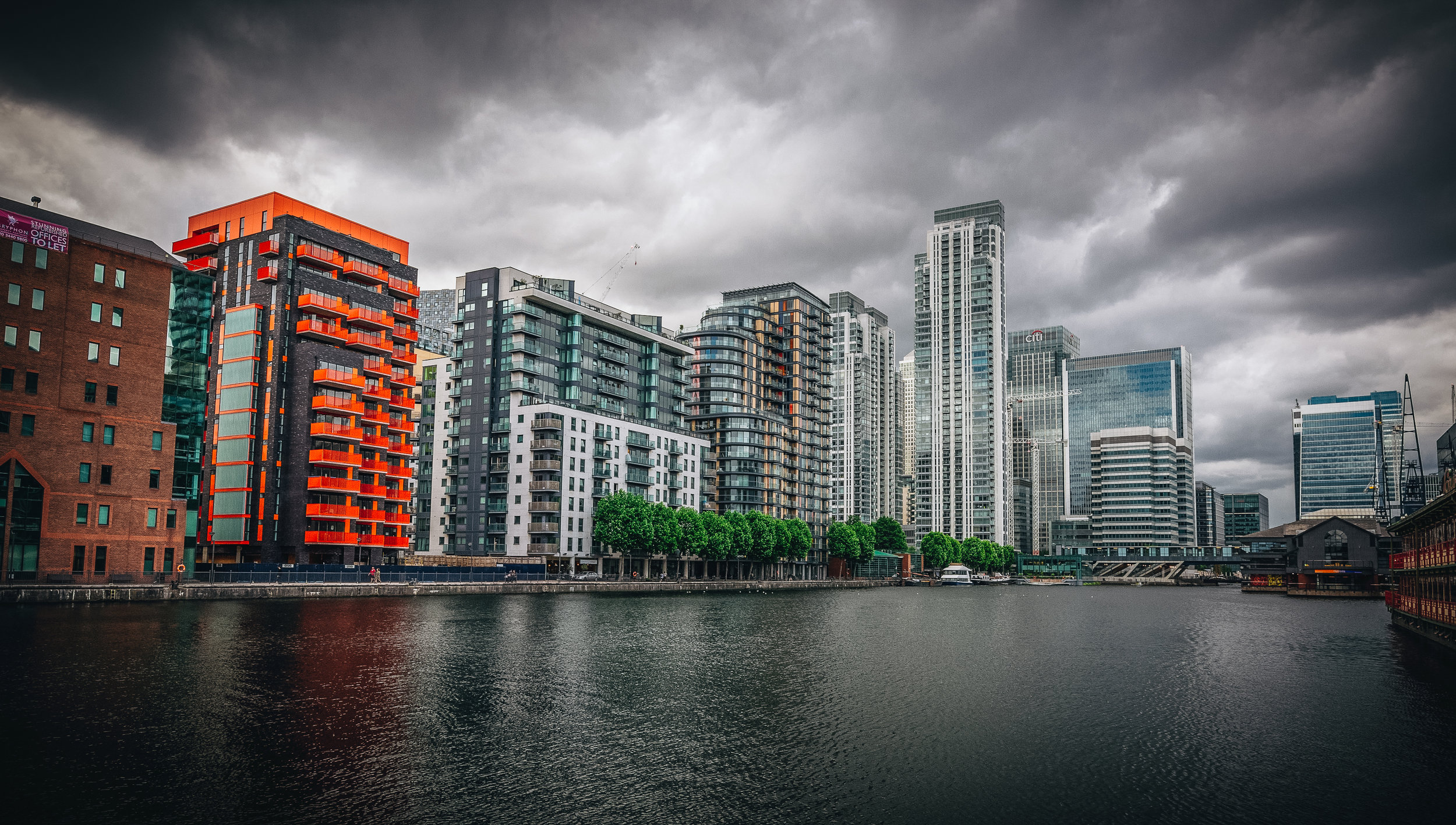 The Isle of Dogs lends itself well to cloudy days.