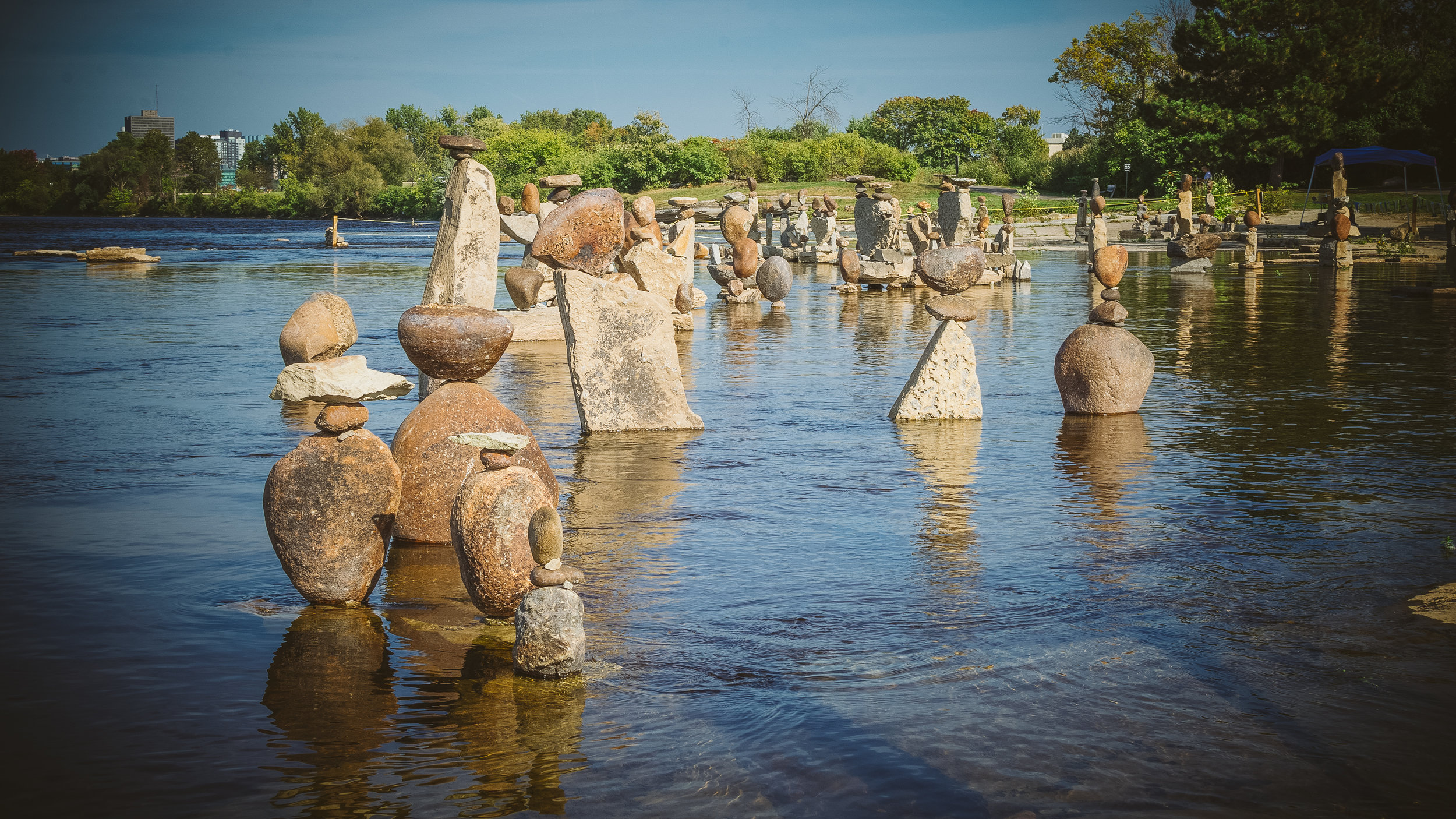Back on the more anglo side of the Ottawa River, we made a quick stop at Remic Rapids to see the balancing rocks.