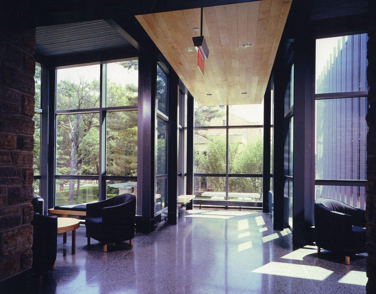 03KD-interior-lounge.jpg