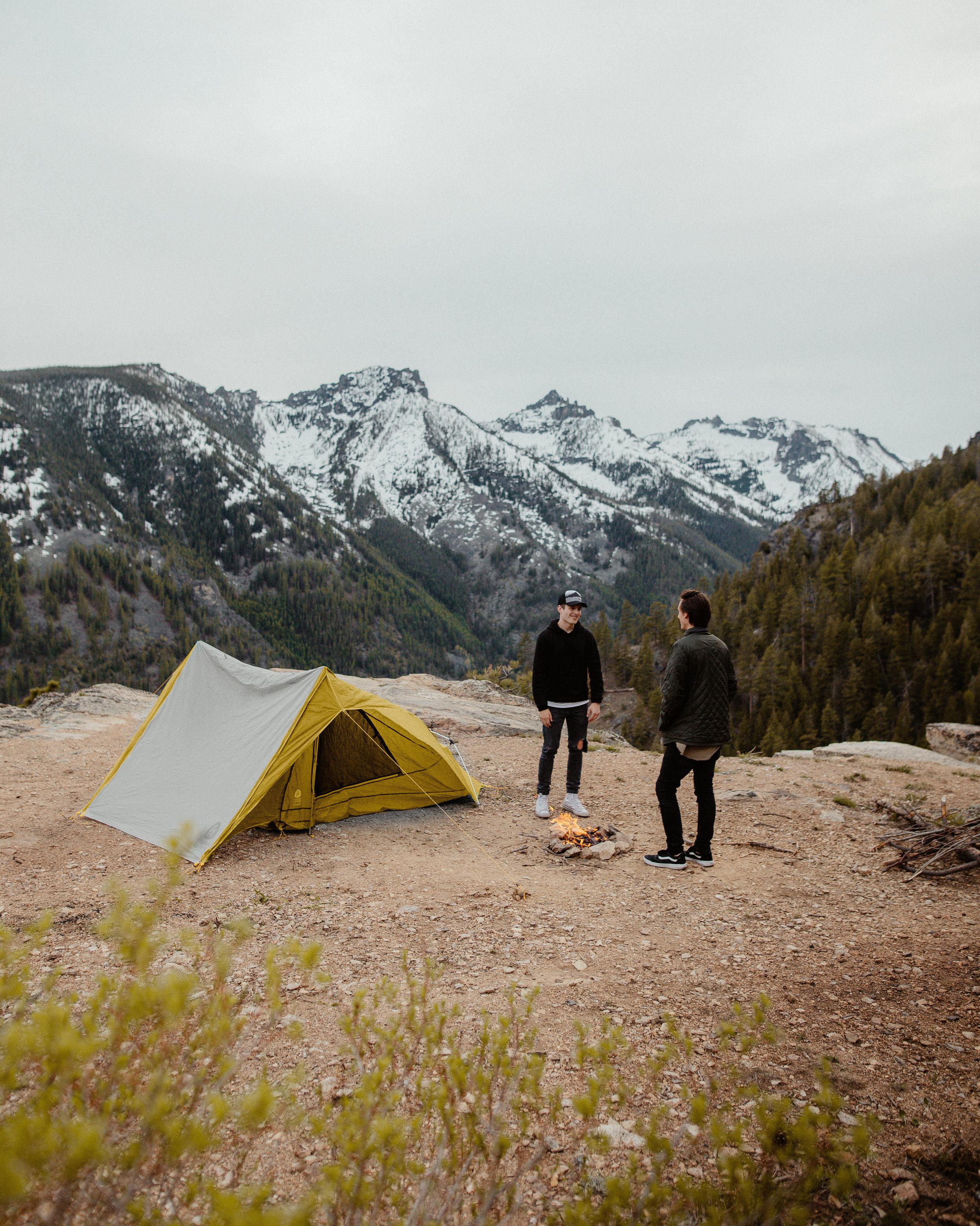 breaking in the lightweight tent from moosejaw.