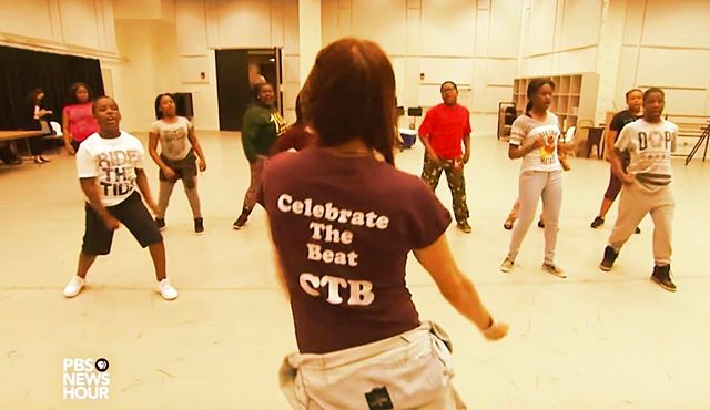 Happy Monday! 💃 | Catch a glimpse of our dance-tastic founder Tracy Straus in action on @PBS @Newshour, spreading joy, positivity and endless inspiration to kids who need it. The Federal Turnaround Arts Program is one of a kind and we're honored to take part. Link in bio!