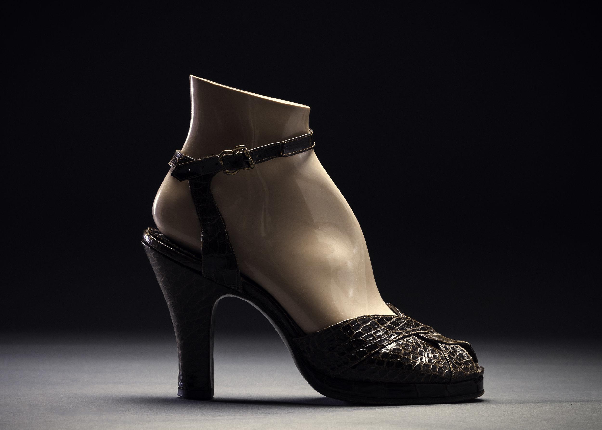 1940s Aligator Heel