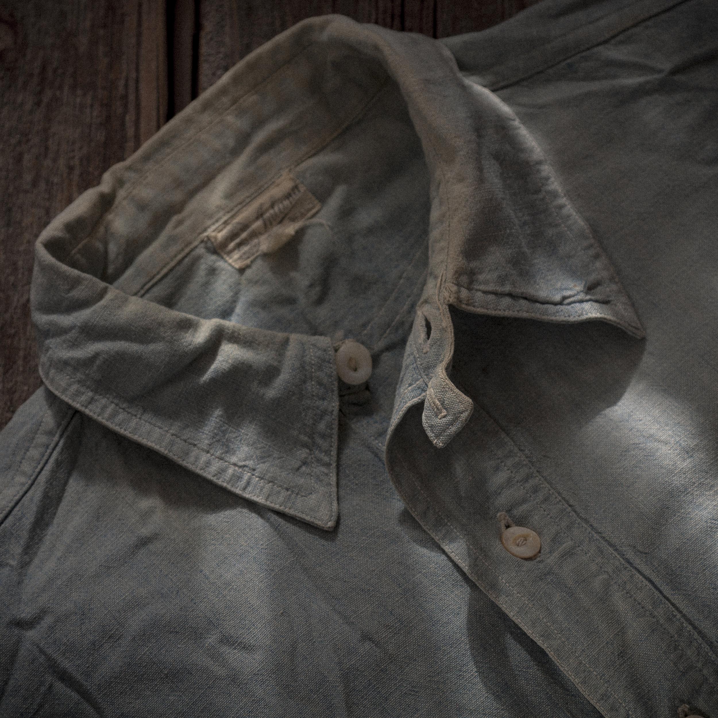 1920s Chin Strap Chambray Pullover Shirt