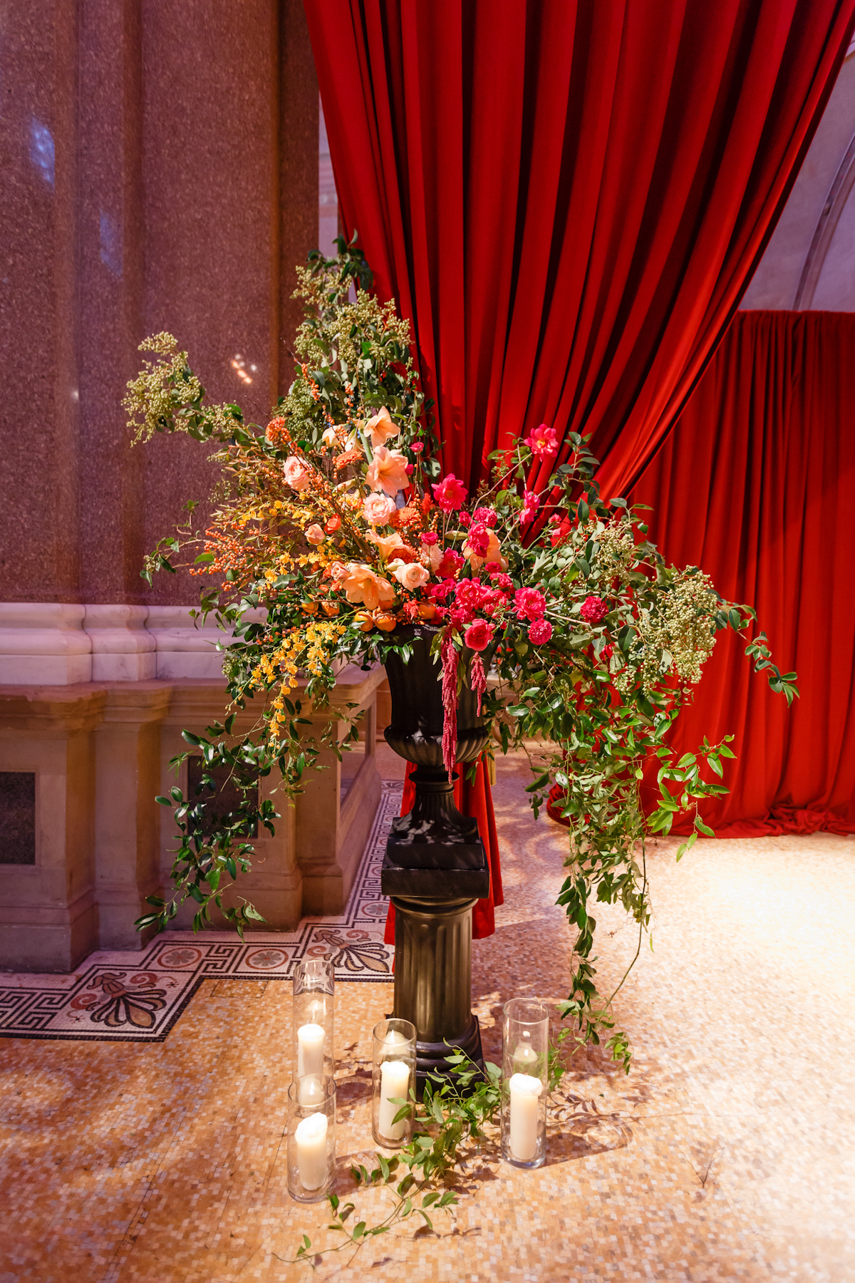 Weylin Wedding: Ceremony Floral Urn by Putnam and Putnam