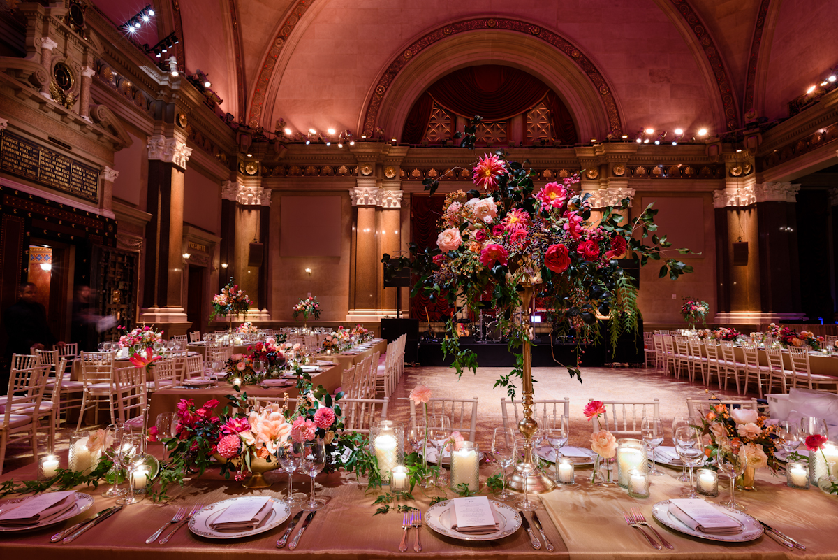 Weylin Wedding: Long tables and flowers on pedestals