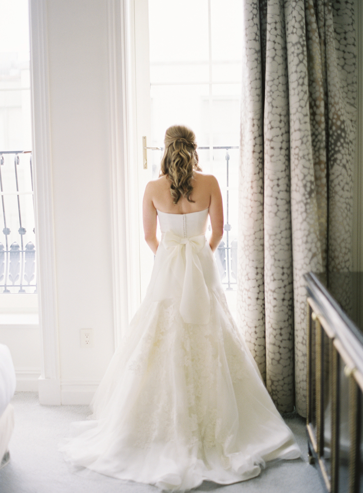 Bride in vera wang gown for Plaza wedding