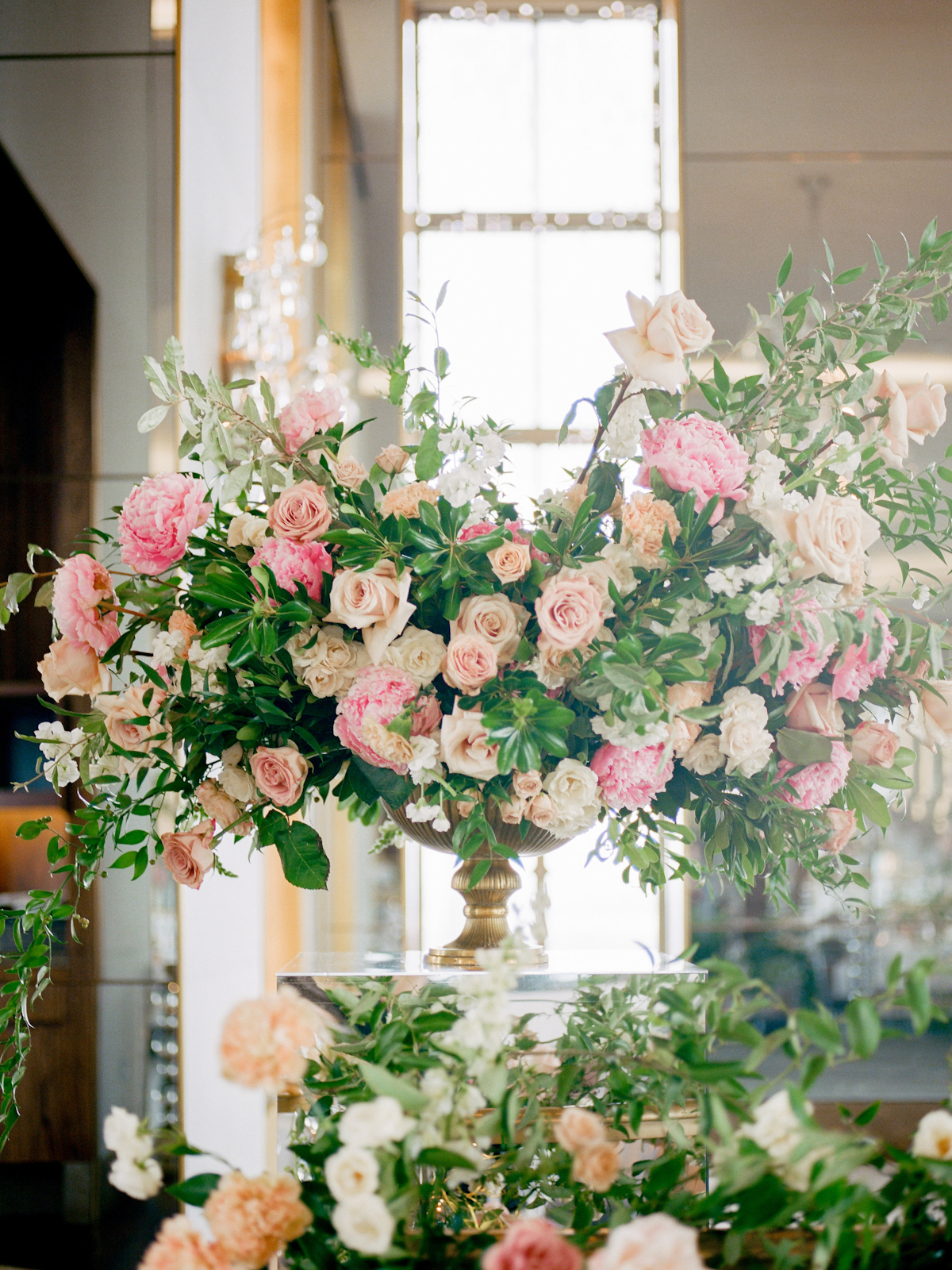Flowers at Rainbow Room wedding with roses