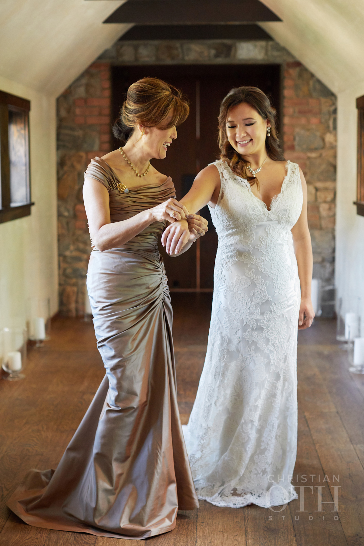 Bride and her mother getting ready at Blue Hill wedding