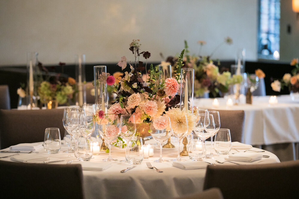 blue-hill-at-stone-barns-wedding-flowers-candles.jpg