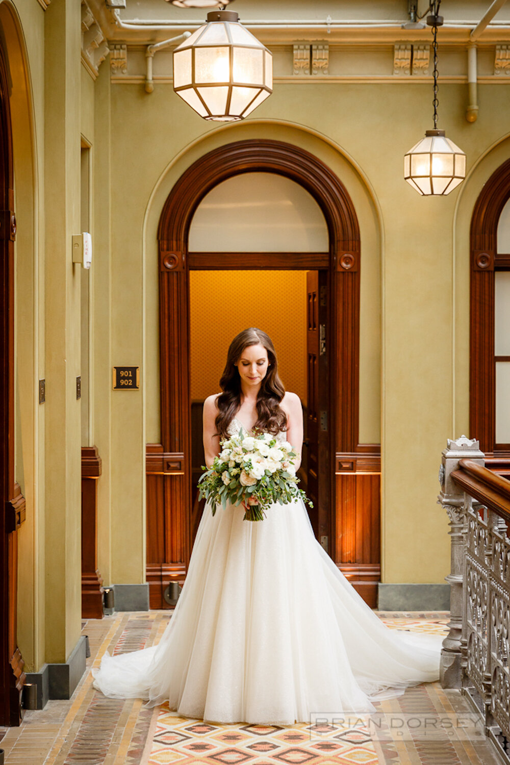 Cipriani wedding bride holding bouquet of flowers