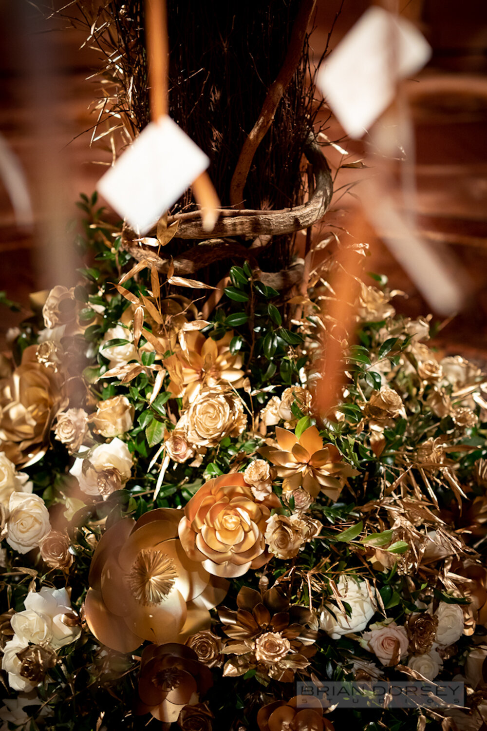 Cipriani wedding gold flowers