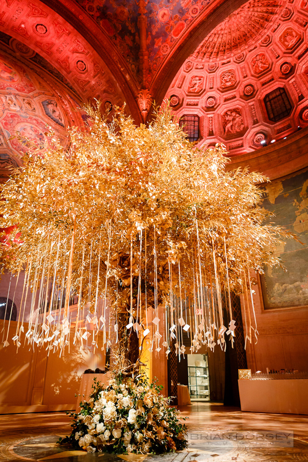 Cipriani wedding gold tree with hanging escort cards