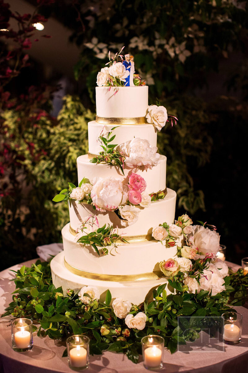 Cipriani Wall Street Wedding cake with cake topper