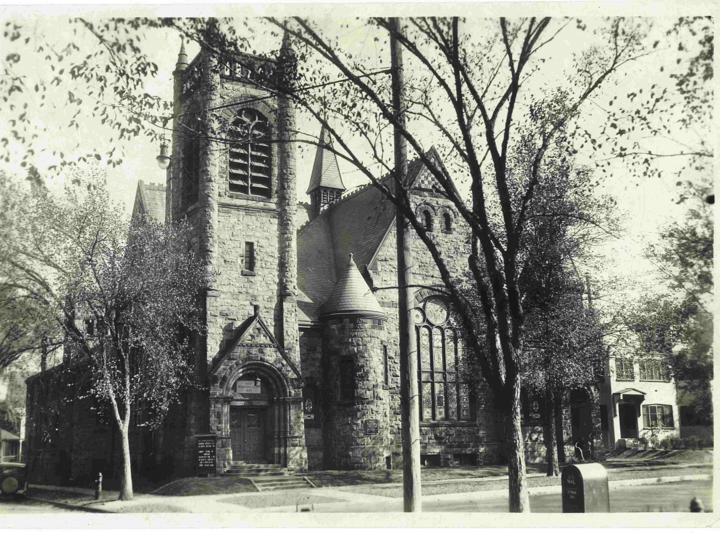 St. Paul's lost its steeple in ?