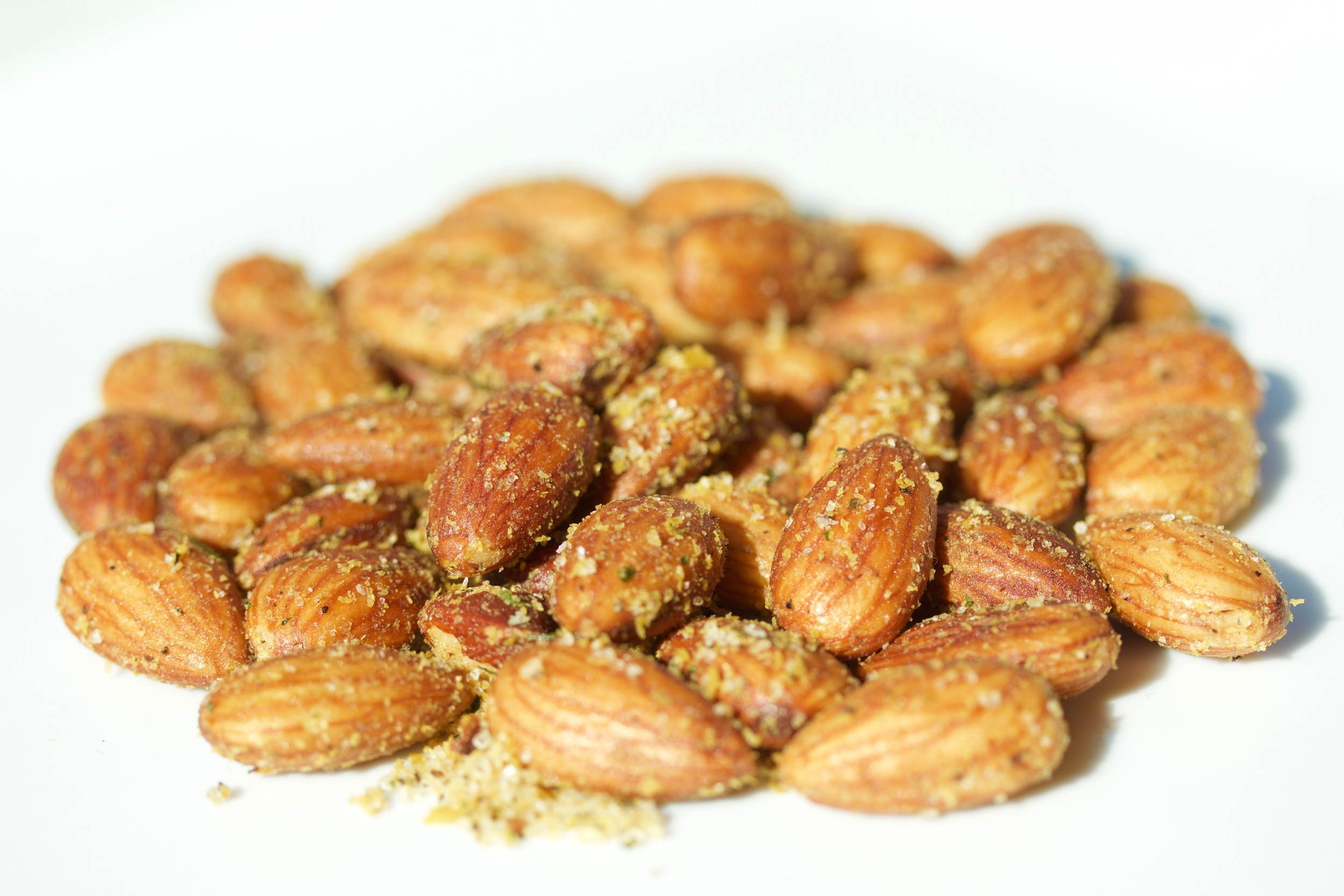 crackled cheezy almonds