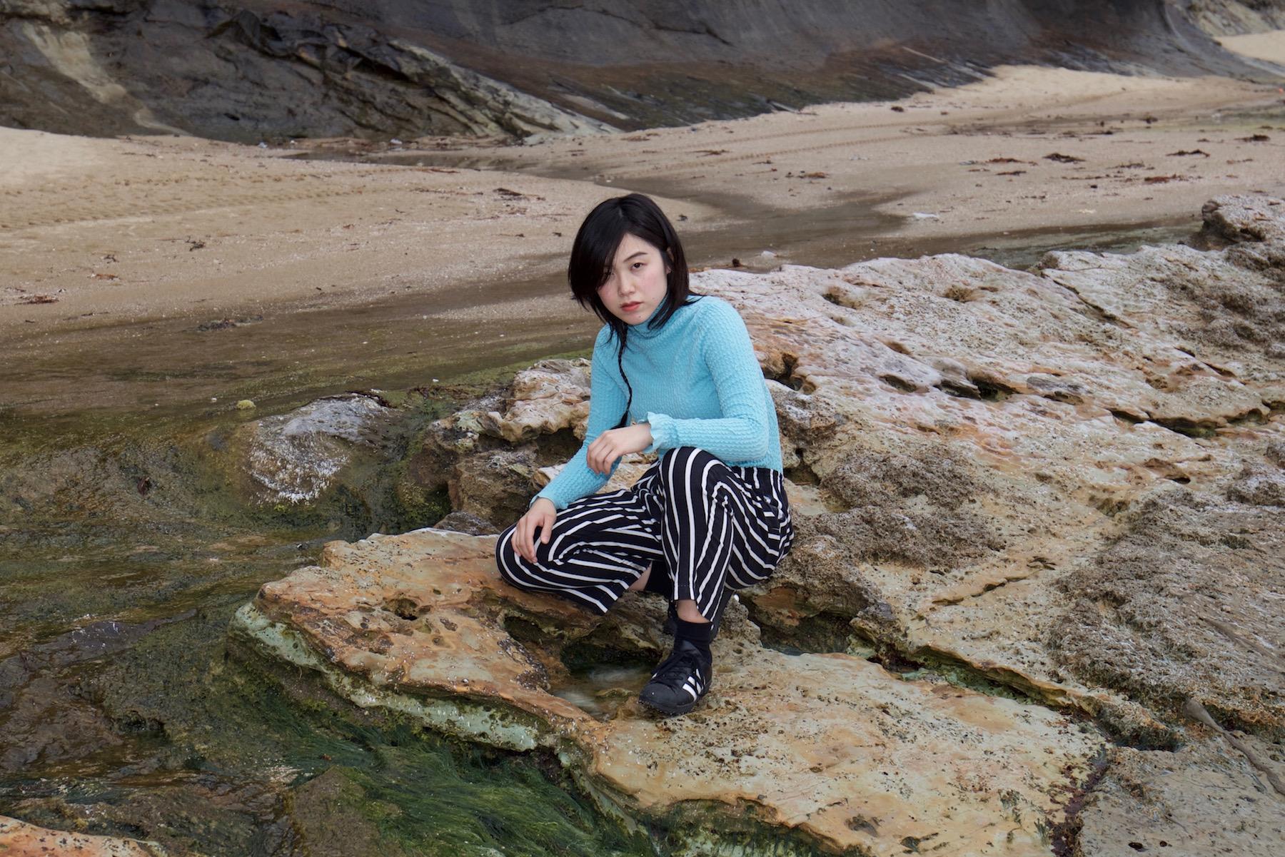 マンチェスターを拠点に活動する京都出身のシンガーソングライター。  https://soundcloud.com/ntski