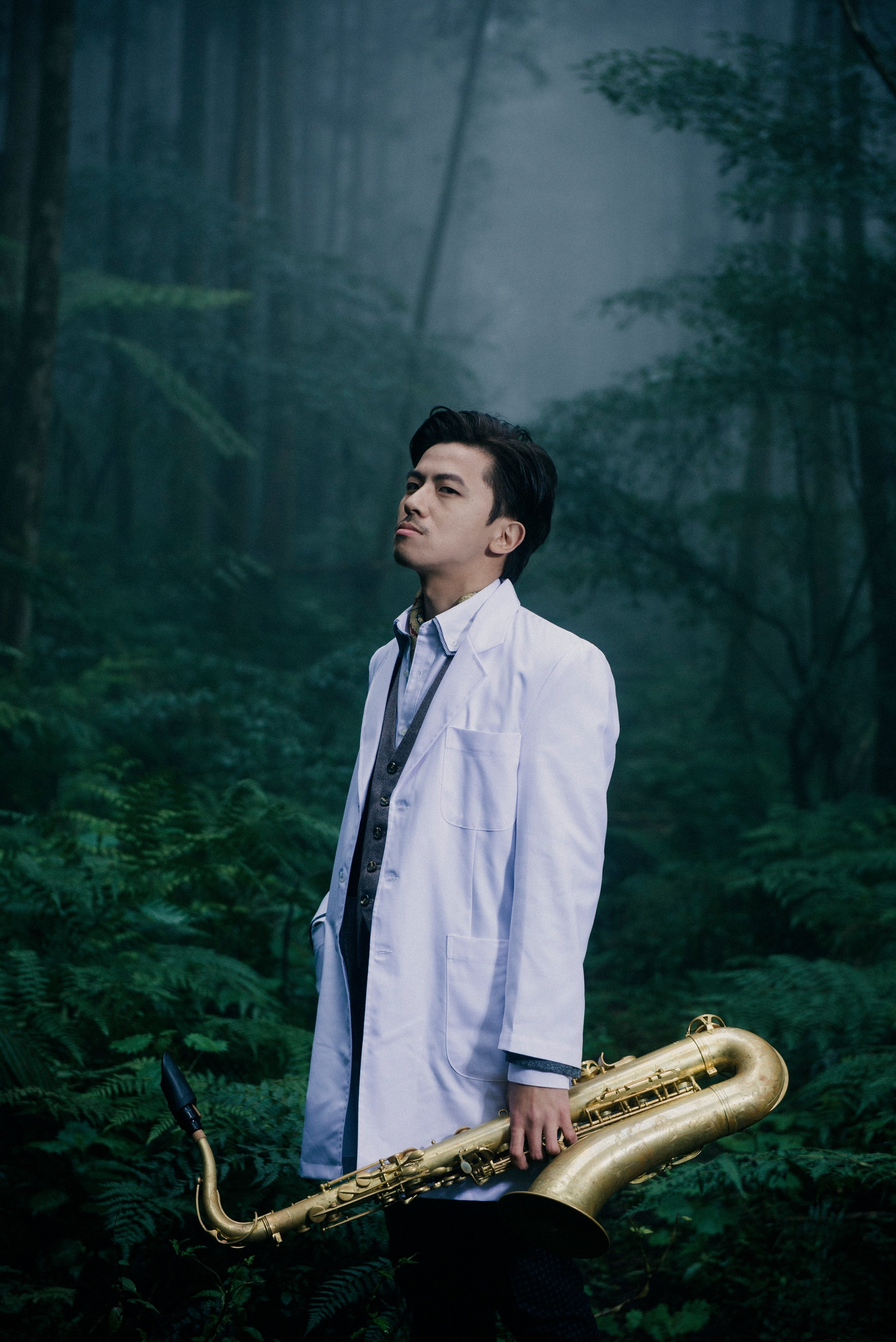 """Min-Yen Terry Hsieh Min-Yen Hsieh, Saxophonist/Woodwind, Jazz/Experimental  http://soundcloud.com/minyenhsieh    Born in Taipei City, Taiwan, 1981. Picked up his saxophone at his high school years. After graduations he began to study with local jazz musicians saxophonist Shuen-Wen Tung and violinist Chi-Pin Hsieh, and to perform professionally since he was 19. In 2004 he made a trip around U.S. besides to attending concerts, he also participating to master classes by Maria Schneider, Jimmy Cobb, Jimmy Heath. He came to Brussels at the autumn of 2005, to pursuing his farther study at Koninklijk Conservatorium Brussel, with John Ruocco and Jeroen Van Herzeele. Also participated many master classes such as Mark Turner, Gary Foster, Kris Defoort, Stephane Galland, Mike Maineiri, Dave Liebman, Aaron Parkers. In the summer of 2010, He received the Master Degree of Jazz Saxophone, and as the first jazz student who finished the post graduate project, summer of 2011. During the school years, he was participating actively with many different music projects outside of school, including """"Salsablonsera"""", """"J.V.M. Group"""",""""À Flor da Pele"""", """"MYH Group"""", """"Marie Séférian Quintet"""", """"Interstellar Odyssey"""", """"Causal Encounter"""", """"Tristano Project"""",""""The Nine"""". The music style various wildly from traditional swing to modern jazz, fusion, latin and free improvisation. He has been performed in many famous venues and festival in Belgium: Sounds, Music Village, Hopper, Flagey, Beursschouwburg, Jazz Station, Brussels Jazz Marathon, just to name a few."""