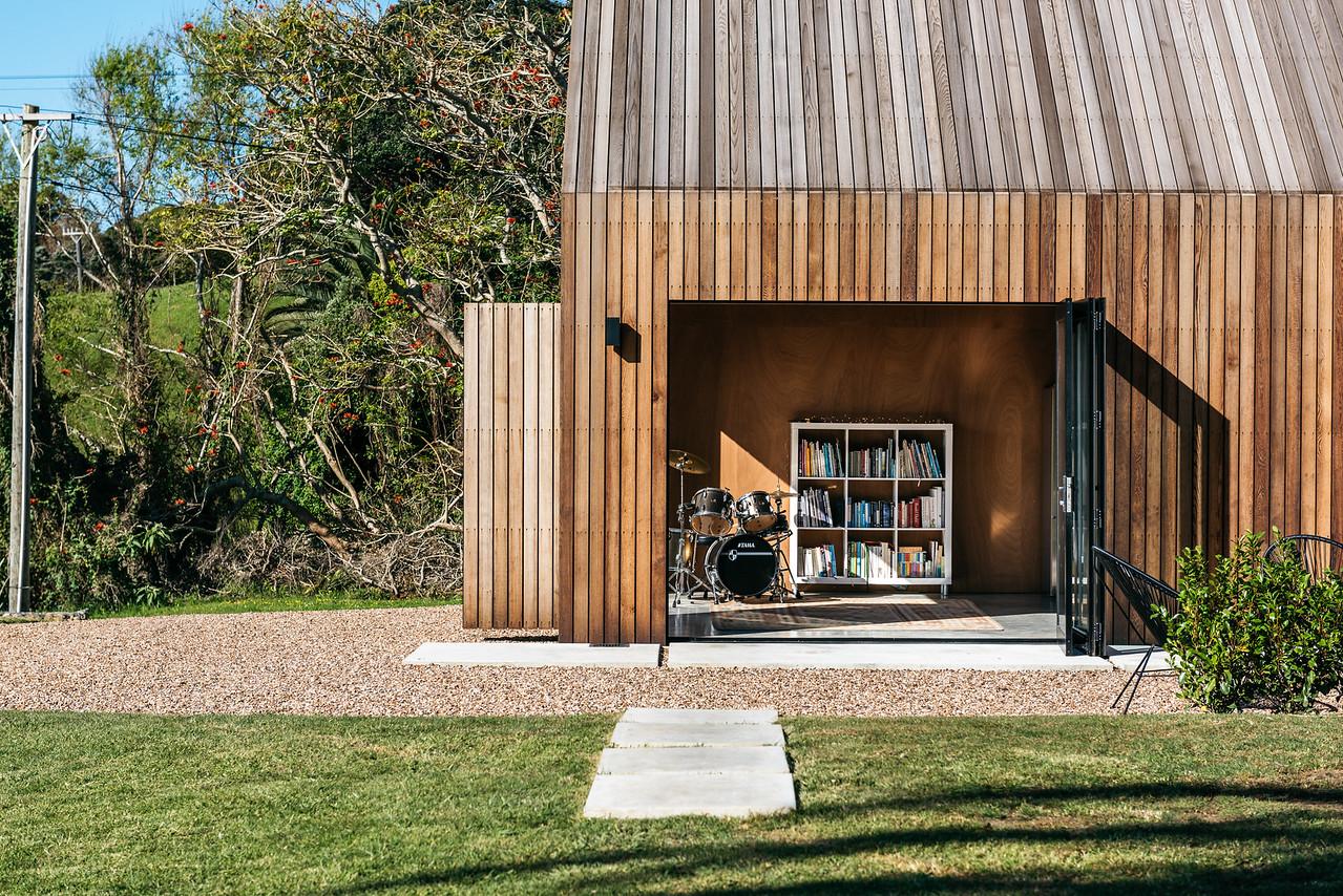 Waiheke Home - Dreamboat Books Photos @ Peter Rees