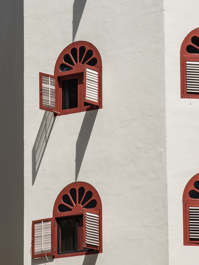 shutters-sng