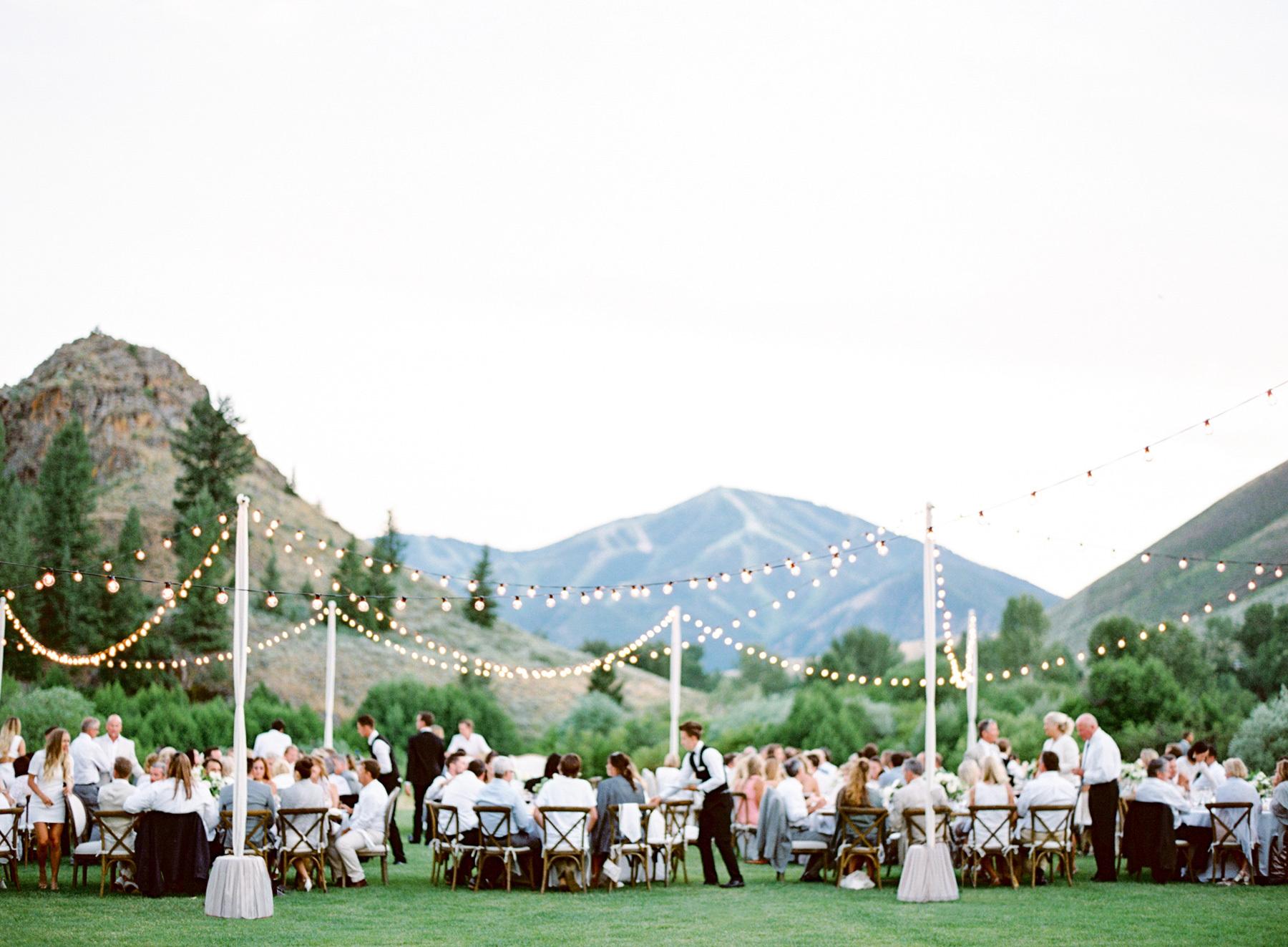 tyler-hubbard-wedding-16(pp_w1800_h1323).jpg