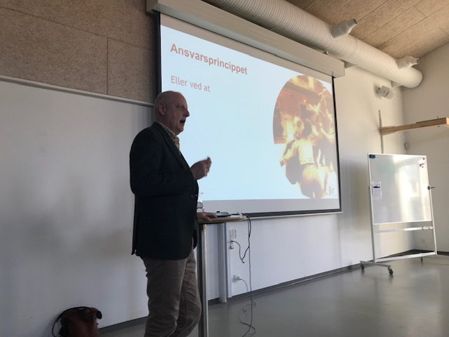Bo Hejlskov Elvén holdt oplæg om at håndtere problemskabende adfærd