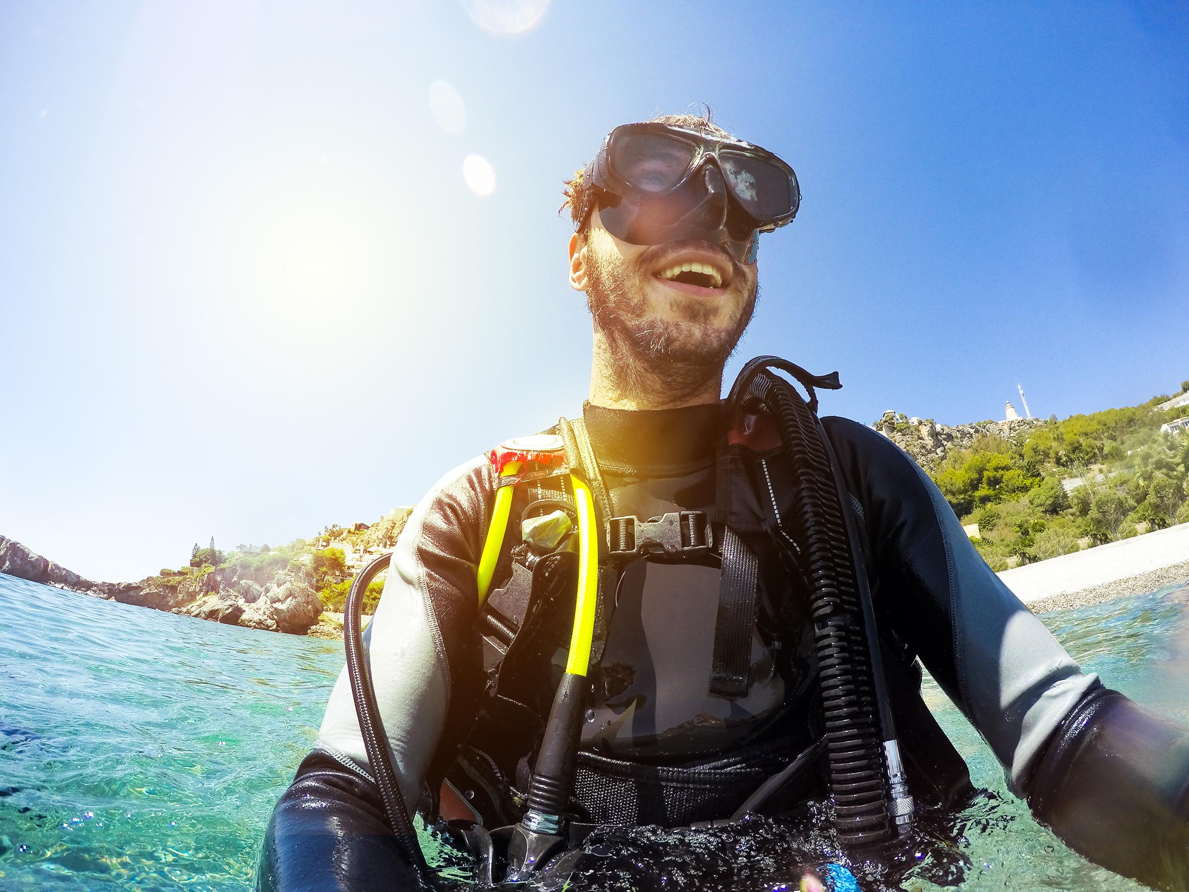 Μετά από συνεννόηση και με επιπλέον χρέωση - • Ενοικίαση αυτοκινήτου• Ενοικίαση σκάφους• Εμπειρία ψαρέματος• Υποβρύχια κατάδυση• Μονοήμερη εκδρομή με καραβάκι τον γύρο του Νησιού• Παράδοση προσωπικών αγορών• Περιπατητικές εκδρομές• Πρόσθετη υπηρεσία καθαρισμού• Πρόσθετη αλλαγή κλινοσκεπασμάτων και πετσετών
