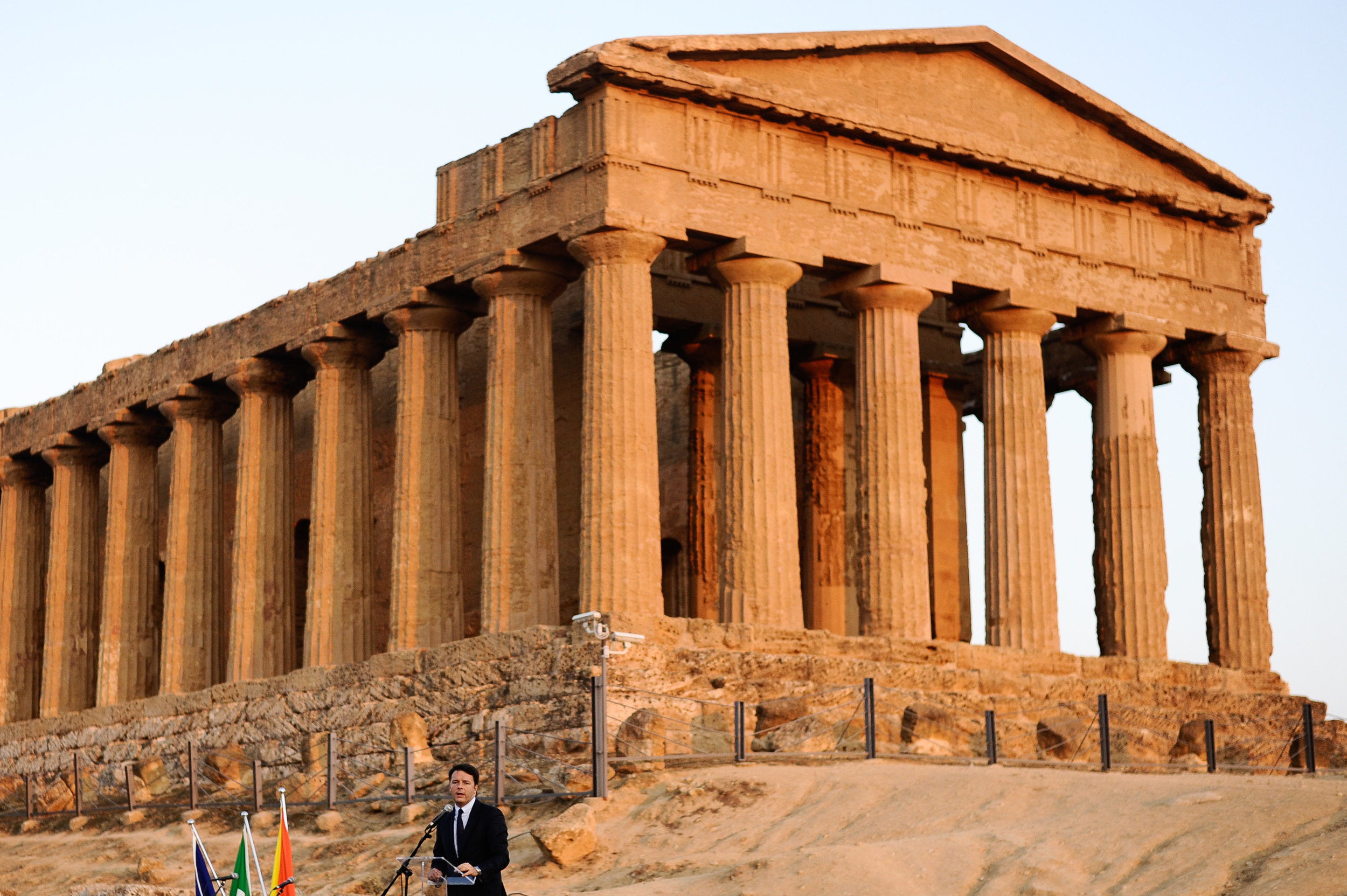Italian Prime Minister Matteo Renzi delivers a speech at the Valley of the temples in the Sicilian town of Agrigento, Southern Italy, September 10, 2016.