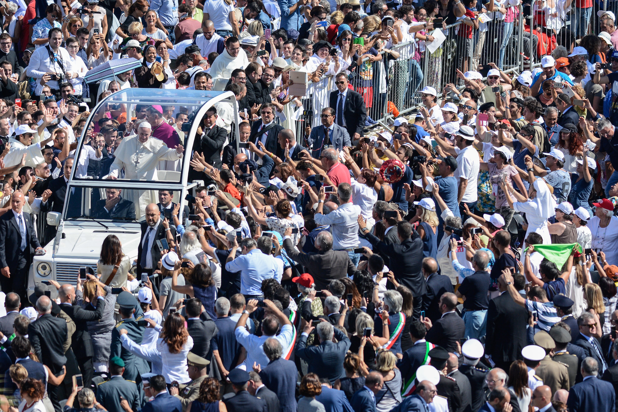 Pope Francis arrives to celebrate the holy mass at the Foro Italico in Palermo, Italy, September 15, 2018.