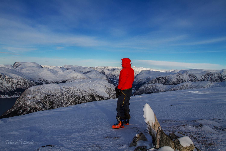 På ski i Jølsterfjella