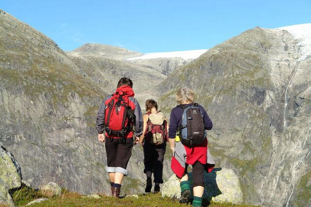På veg til Lunde etter ein lang dag til Jostedalsbreen i Jølster