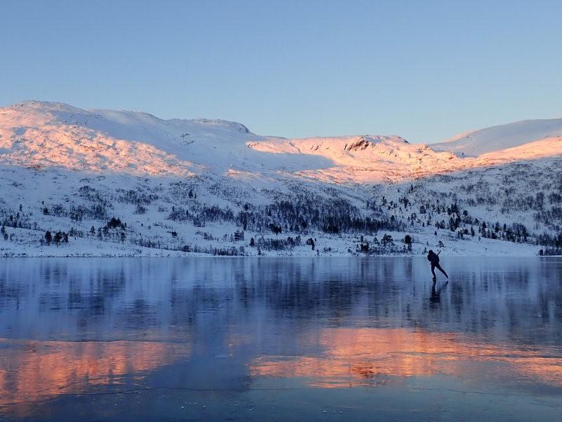 På Storevatnet i Hyen fann dei draumeforhold. Foto: Lars/Marie