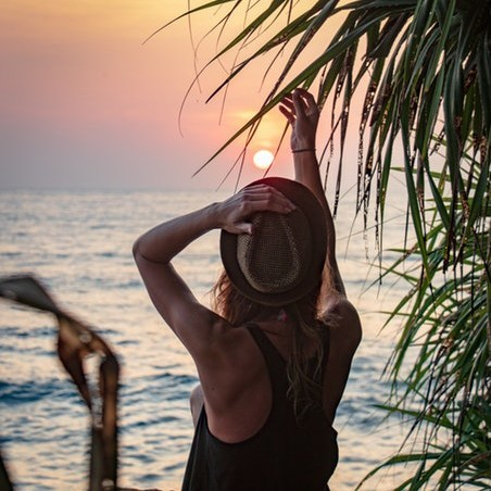 Sri Lanka girl on beach.jpg