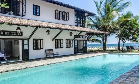 Beach-House-and-swimming-pool-crop.jpg