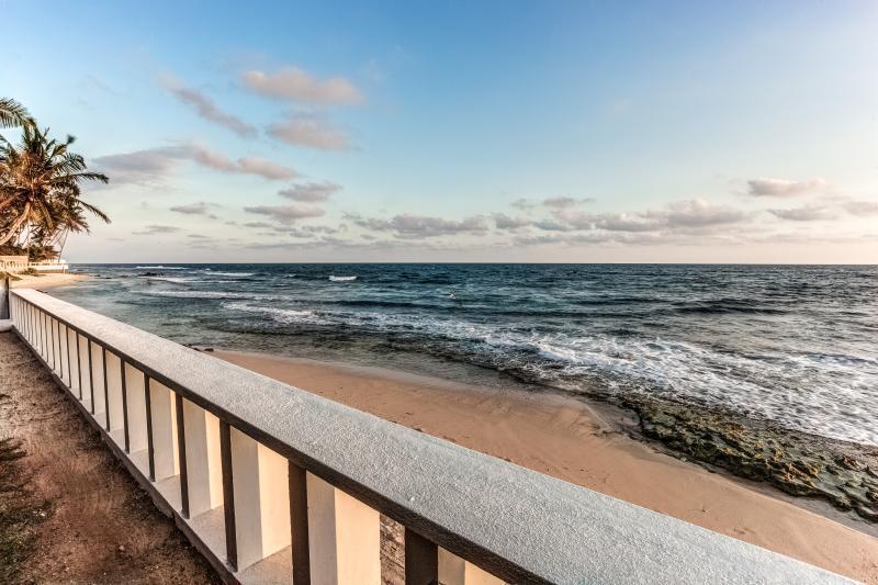 Balcony and beach Sri Lanka Yoga retreat.jpg