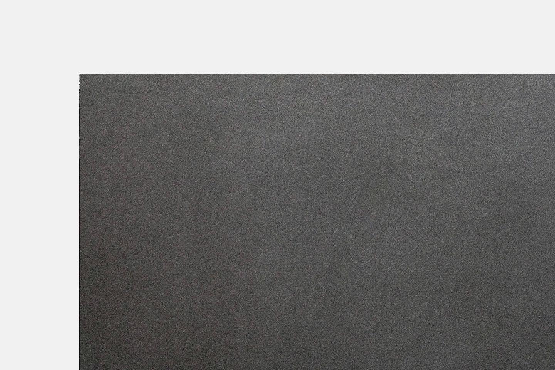 Objekten_High-Tables_Oval_Diito_alain_Berteau_Linoleum_Detail.jpg