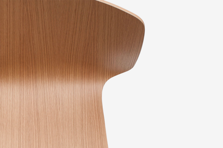 OBJ_Radar_Chair_Sylvain_Willenz_Oak_Swivel_Castor_Gas-lift_Starbase_Detail.jpg