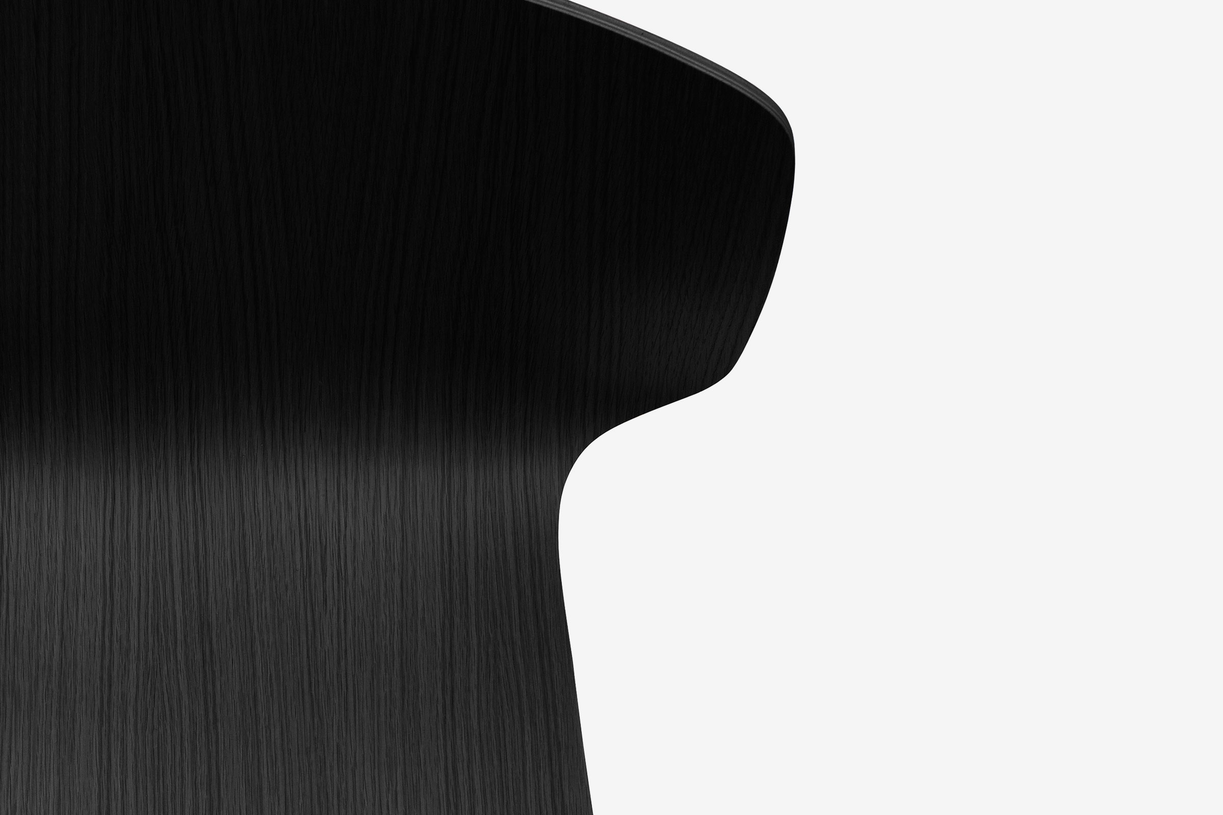 OBJ_Radar_Chair_Sylvain_Willenz_Black_Oak_Detail.jpg
