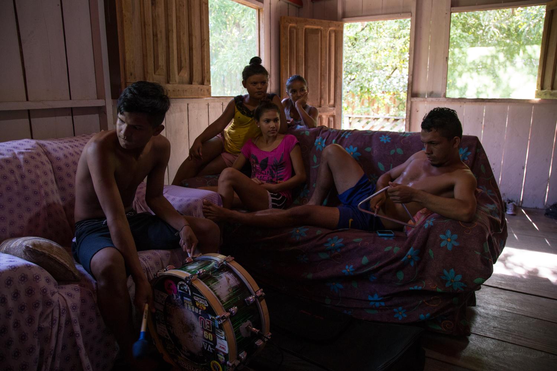 Indigenas_04.jpg