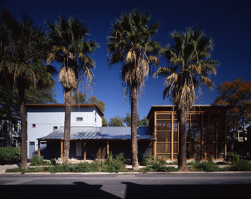 Exterior View, Madison Street Residence, San Antonio, Texas, 1995. Photo by Larry Pearlstone