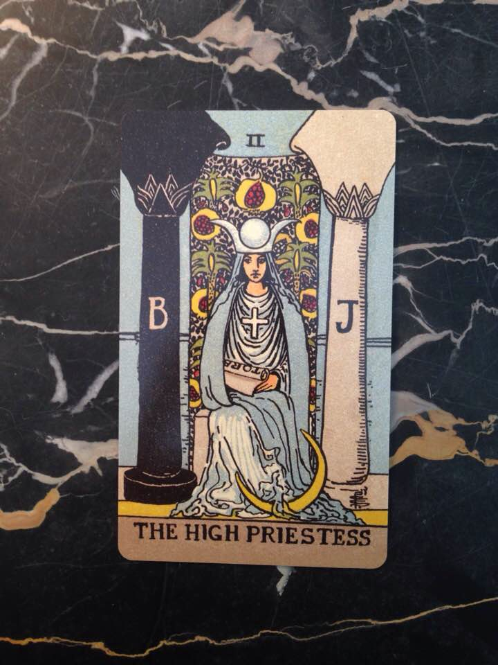 This card is from the Borderless edition of the Rider-Waite deck (1909), published 2017.