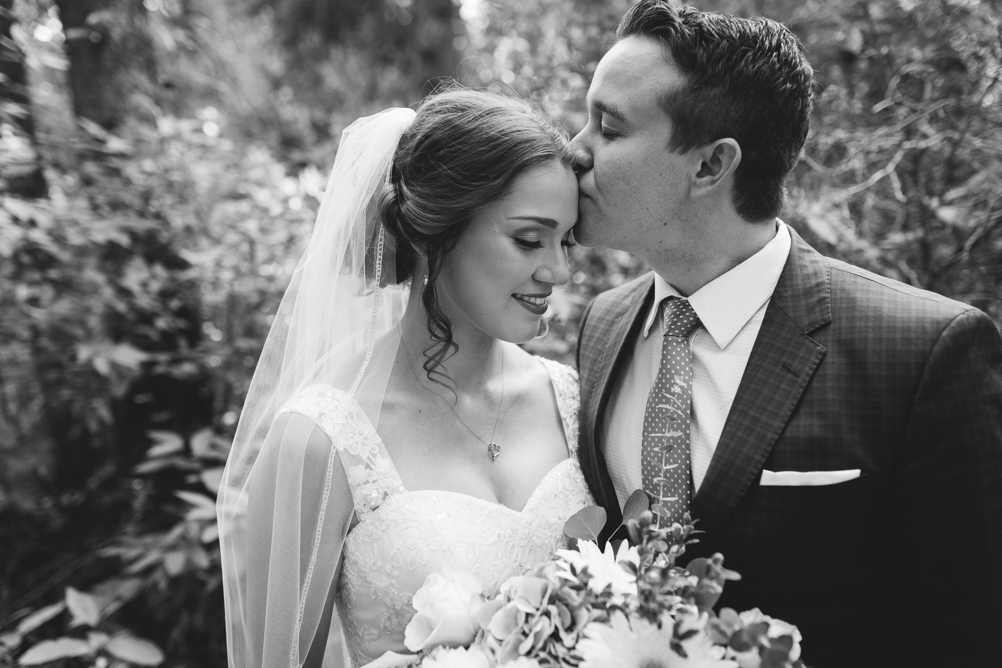 Deanna-Rachel-Photography-calgary-Wedding-photographer-jm-25.jpg