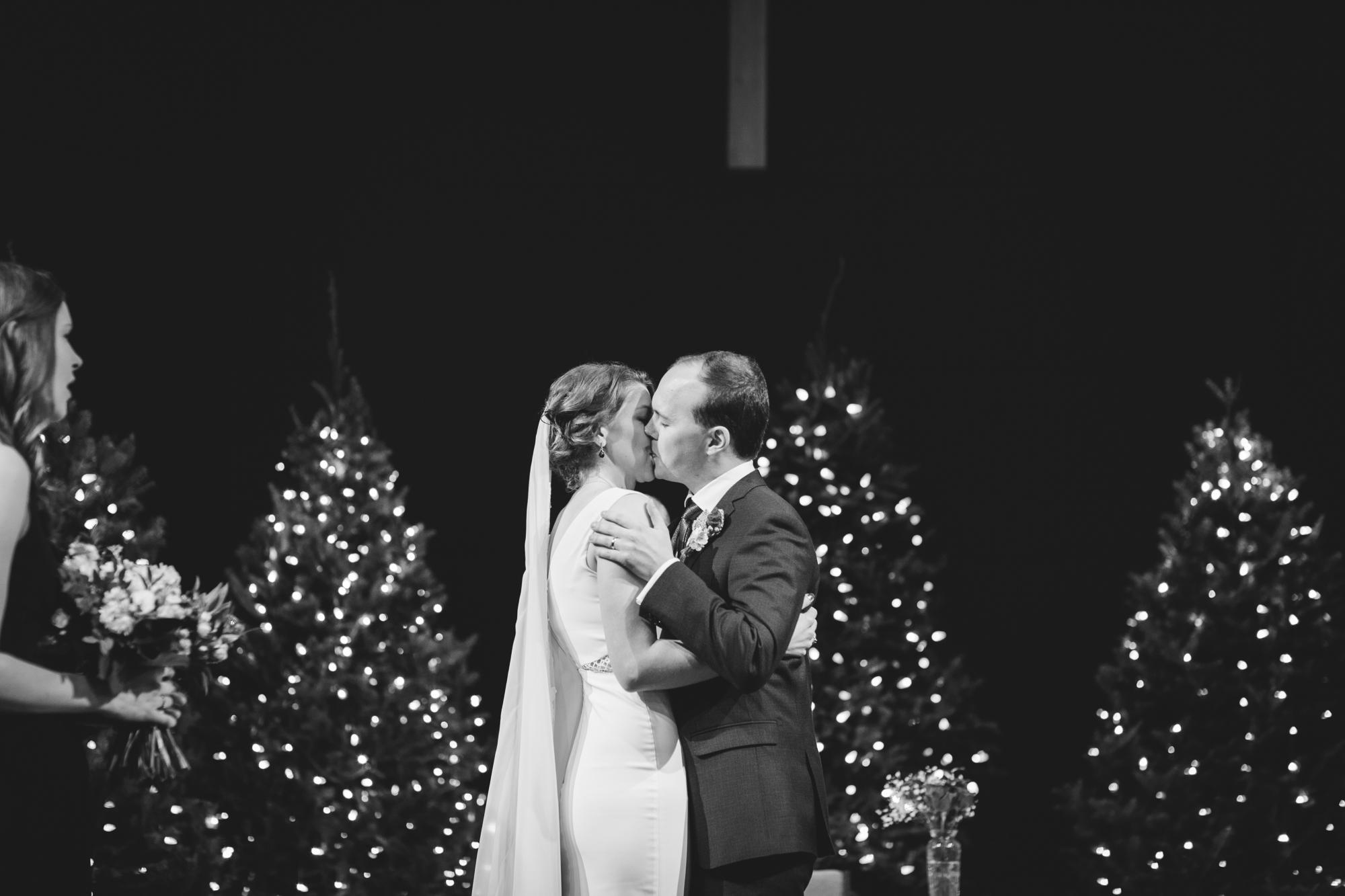 calgary-zoo-wedding-16.jpg