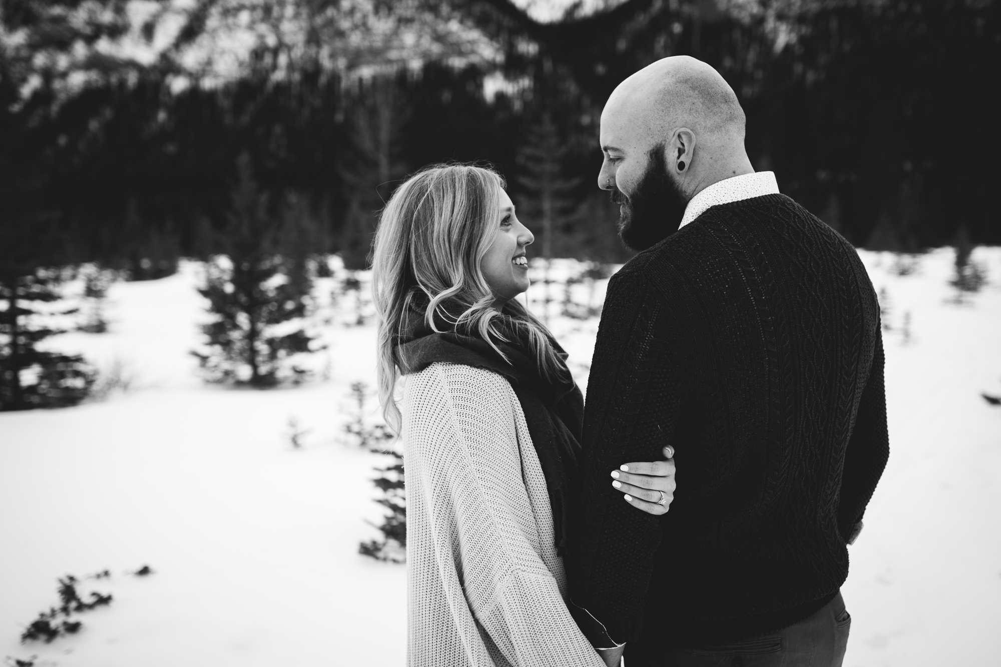 calgary-engagement-photographer-am-16.jpg