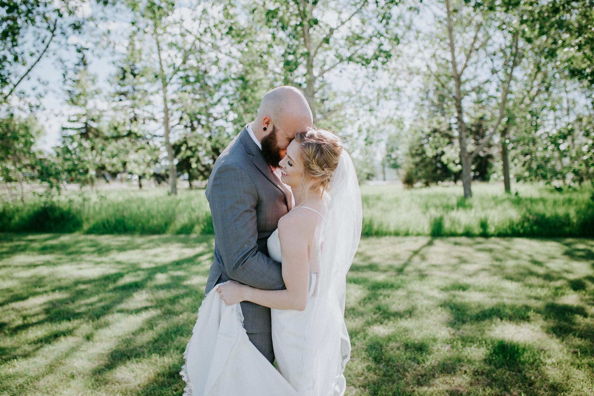 Calgary-wedding-photographer-am-73.jpg