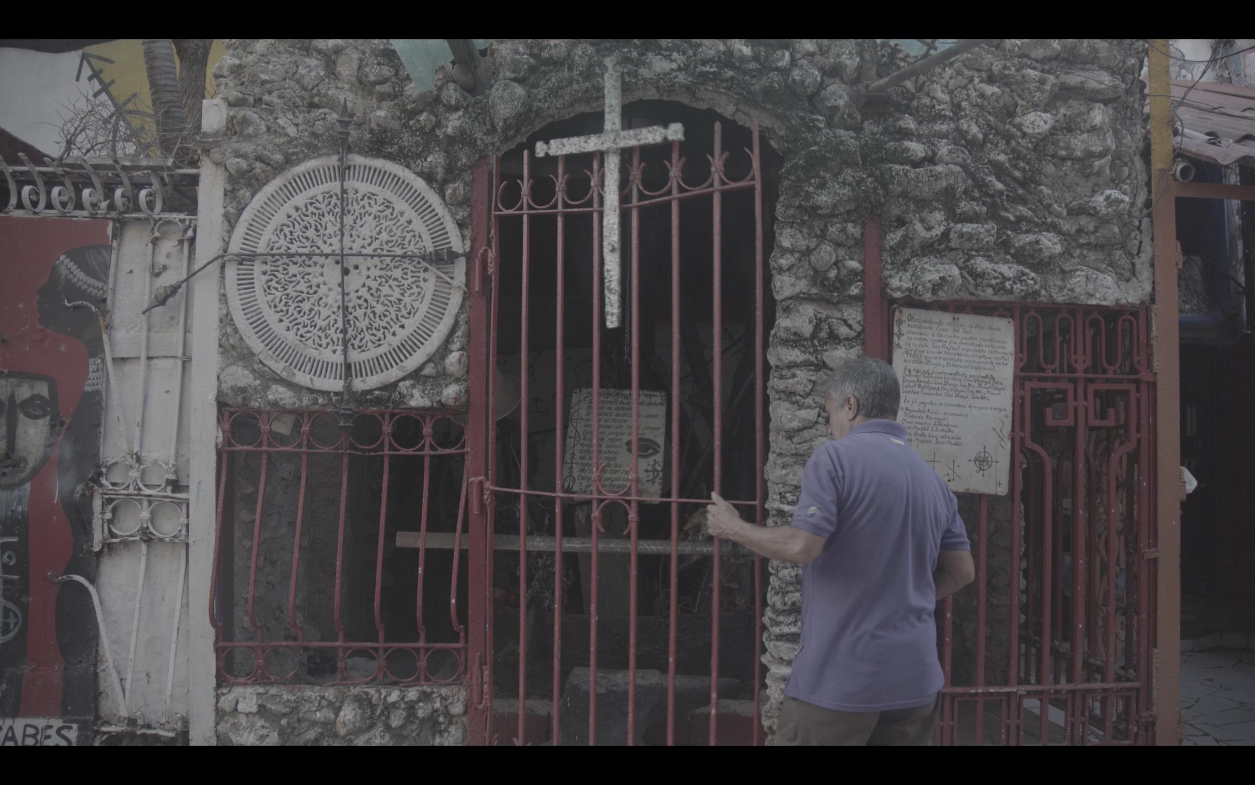 Callejon de Hamel - The Alleyway to Santeria