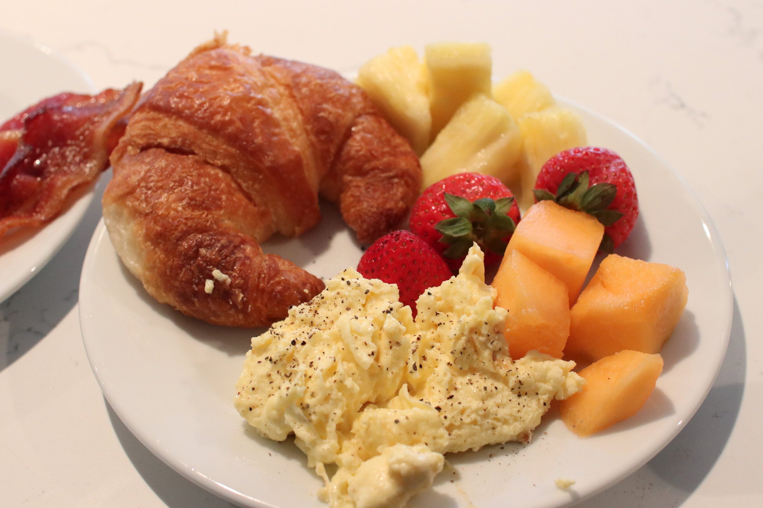 Breakfast at the M Club Lounge